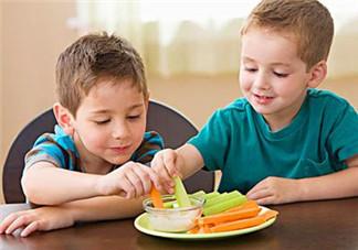 夏季宝宝如何饮食 应该注意什么呢