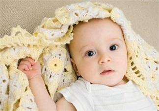 新生儿要用母乳洗脸吗 如何护理新生儿的脸部肌肤
