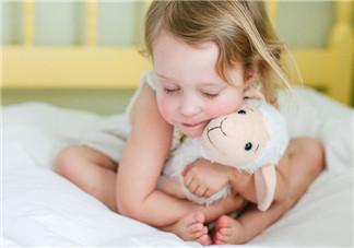 夏季宝宝便秘消化不良 羊奶粉助消化又营养