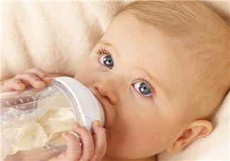 宝宝哺乳健康 如何预防婴儿配方奶过敏