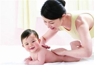 秋季宝宝皮肤干燥  饮食建议及保养事项