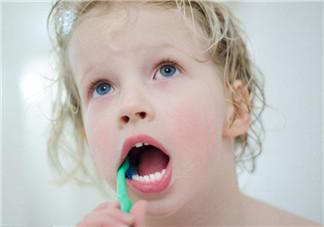 宝宝换牙期出现的状况 宝宝换牙期注意事项