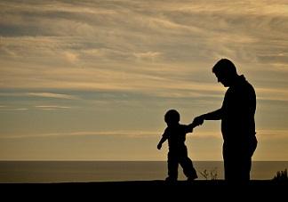 爸爸去哪儿开播 父亲在教育过程中应该扮演怎样的角色