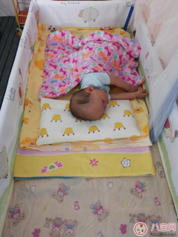 婴儿床床围怎么选比较好 优伴婴儿床围推荐
