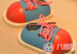 教会孩子学会系鞋带
