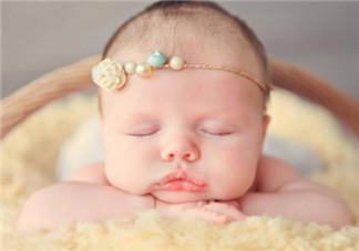 有过敏湿疹的宝宝选什么沐浴露好 宝宝湿巾毛巾玩具怎么选择