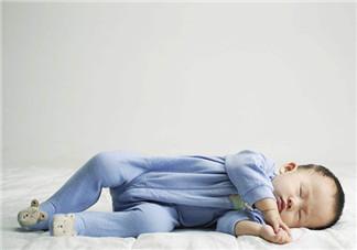 婴儿睡觉叹气怎么办 什么是宝宝的自然睡眠周期