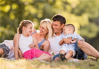 为什么两三岁还没有开口说话 父母如何教宝宝说话