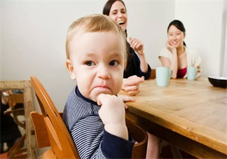 孩子说话太迟了正常吗 怎么教说话含糊不清的孩子说话