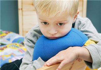 宝宝不爱说话是自闭吗 吃什么避免儿童自闭症