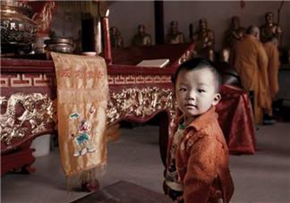 孩子出生要拜佛烧香祈福吗 刚出生的宝宝能去寺庙上香吗