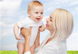 宝宝夜奶频繁怎么办 宝宝夜奶应该断奶吗
