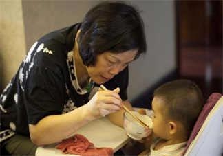 和婆婆带孩子有分歧怎么办 怎么化解妈妈和婆婆带孩子的矛盾