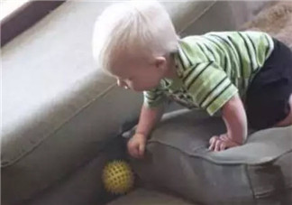 适合宝宝爬来爬去的游戏 8个月宝宝爬来爬去玩什么游戏好