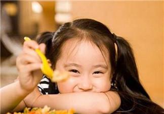宝宝吃的多好还是吃的食物全面好 三岁宝宝吃哪些食物营养更全面