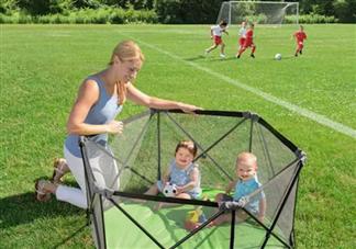 单独带娃如何保障宝宝安全 美国Summer infant便携折叠游戏围栏携带方便吗