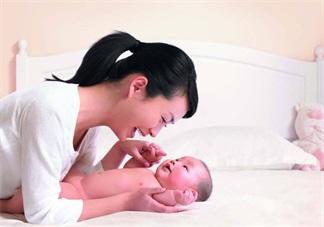 产后妈妈20天只吃不动好不好 新妈妈坐月子不活动有什么危害