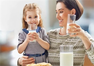 孩子喝羊奶会上火吗 怎么喝羊奶比较好