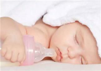 给宝宝断奶瓶的时间是固定的吗 怎么判断宝宝要不要断奶瓶