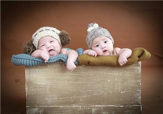 发宝宝拍百天照怎么发心情说说朋友圈   宝宝百天照感慨短语说说朋友圈
