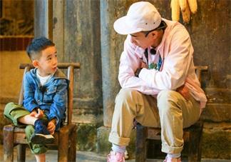 爸爸去哪儿陈小春发表感想的背景音乐是什么 爸爸去哪儿最后一期插曲