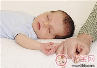 怎么哄宝宝晚上入睡