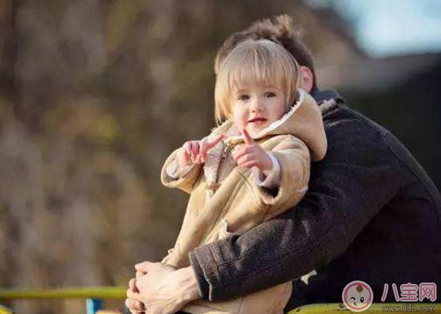 宝宝第一次出门说说 第一次带宝宝出门发朋友圈说说句子语录