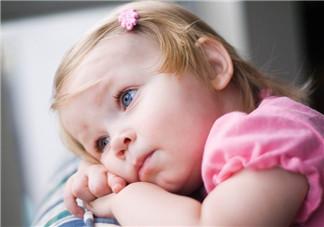 左撇子宝宝真的更聪明吗   孩子左撇子需要纠正吗