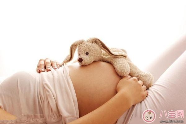 丙肝妈妈在样照顾宝宝