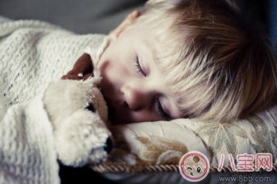 3岁宝宝不爱睡觉怎么办  解决孩子睡觉有讲究