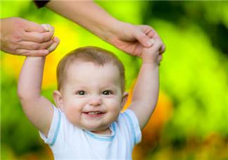 宝宝学走路和智力发育有关吗 宝宝越聪明越早学会走路吗