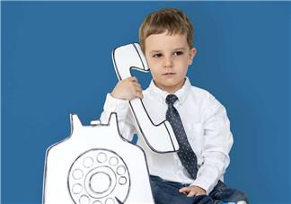 孩子特别爱说话怎么办 小孩太爱说话好不好