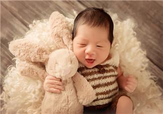 宝宝刚出生的心情说说 婴儿出生当爸的心情说说朋友圈