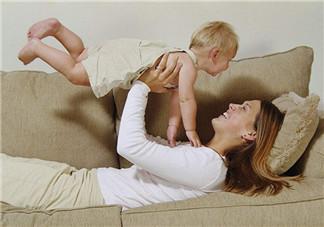 母乳喂养乳头变白发硬怎么回事 乳头变白且硬怎么办