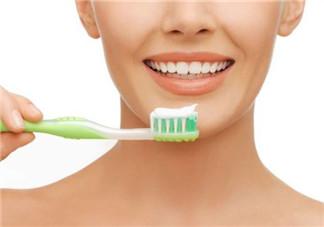 牙龈经常无故出血怎么回事 牙齿流血是什么病征兆