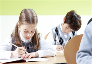 家长对孩子考试成绩怎么分析 孩子考得不好应该怎么帮他分析