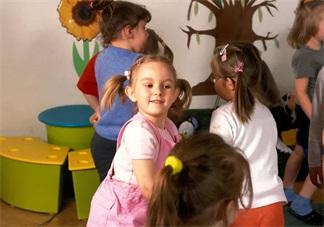 孩子在幼儿园老是被欺负怎么办 孩子在幼儿园被欺负后怎么做