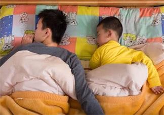 孩子模仿大人的行为要纠正吗 为什么孩子喜欢模仿大人