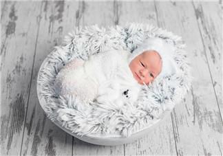新生儿襁褓真的有用吗 襁褓的包法适合多大婴儿