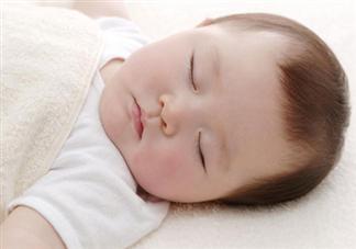 新生儿睡觉哼哼唧唧正常吗 宝宝睡觉哼哼唧唧怎么办