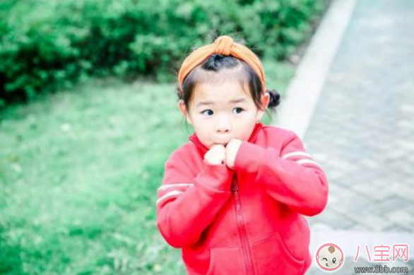家长怎么帮孩子们打开心结2018 小孩性格内向教育方法