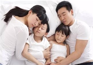 孩子不喜欢分床睡怎么办 引导孩子分床睡的方法是什么