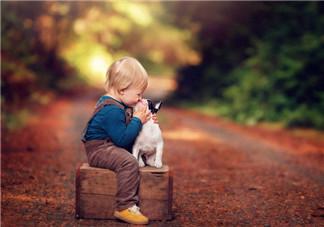 大人可以亲吻宝宝吗 什么情况下妈妈不能亲吻宝宝