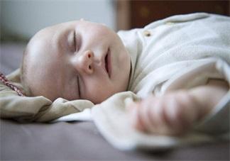 怎么判断孩子睡得好不好 如何从孩子的外表得知孩子的睡眠质量