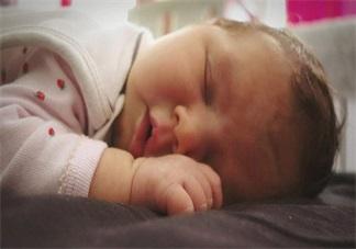 怎么快速哄宝宝睡觉 根据孩子的睡眠特点哄睡方法
