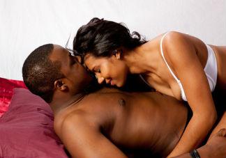 女性经期滚床单不会怀孕吗 女性经期做爱会有哪些风险