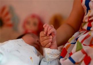 二胎家庭大宝很不听话怎么办 大宝在有二宝后很调皮怎么办