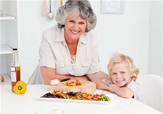 给孩子做饭晒图的句子 表达给孩子做饭幸福的心情短语说说