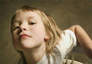 孩子特别的执拗认死理怎么办 孩子说什么都听不进去怎么改变