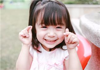 为什么宝宝2岁开始不听话 2岁宝宝听话调皮怎么办